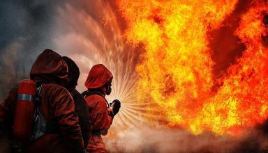 Перетворилися на попіл: під час пожежі в житловому будинку в Лондоні зникли безвісти і, ймовірно, загинули 58 осіб