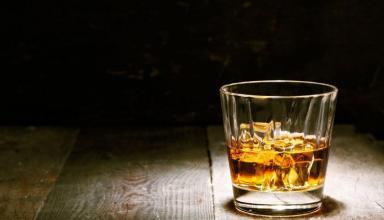 Современное оборудование значительно облегчает изготовление алкоголя на дому