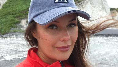 39-летняя модель Оксана Федорова показала фигуру в смелом купальнике