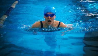 Очки Form Swim Goggles будут показывать сердечный ритм при плаванье