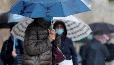 Погодные аномалии: в столице метеорологическое лето опаздывает уже на две недели