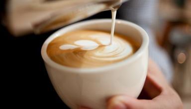 В какое время суток лучше всего пить кофе – ответ диетолога