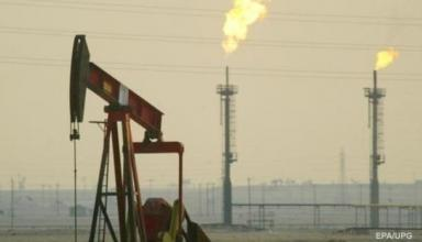 Цена на нефть обвалилась ниже 63 долларов