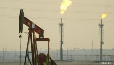 Цена на нефть опустилась ниже 72 долларов