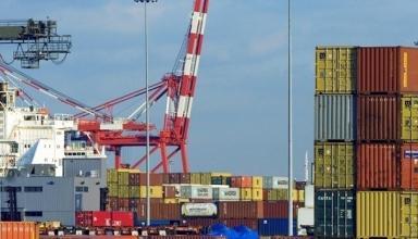 В Украине вырос дефицит внешнеторгового баланса
