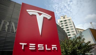 Tesla завершила 2018 год с почти $1 млрд убытка