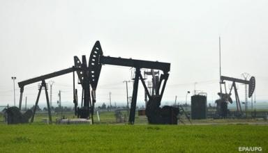 Цены на нефть падают на росте запасов в США
