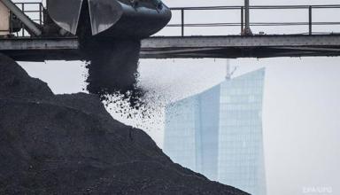 Поставки угля из России выросли втрое за месяц