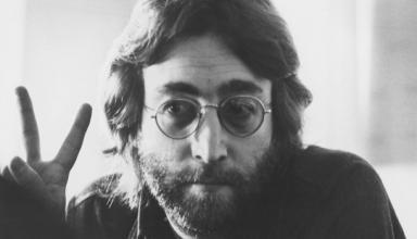 Юбилей Леннона. Музыканту могло исполниться 80 летСюжет
