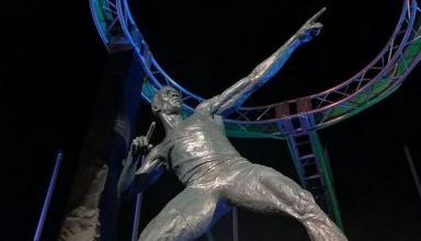 Усейну Болту установили памятник в Кингстоне