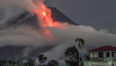 Гаваец снял уникальные кадры извержения вулкана