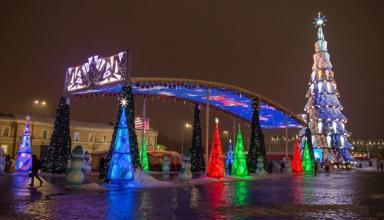 Главную елку Харькова признали самой высокой в Украине