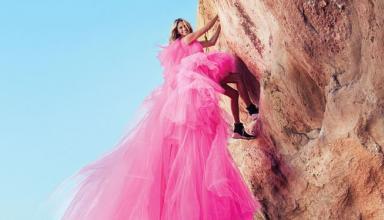 Взяла высоту. Джулия Робертс покорила горы в платьях Haute Couture и рассказала о своем главном страхе