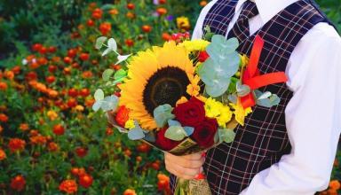 Букет на 1 сентября: где и почем купить цветы для школы