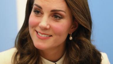 Беременная Кейт Миддлтон продемонстрировала стильный повседневный образ