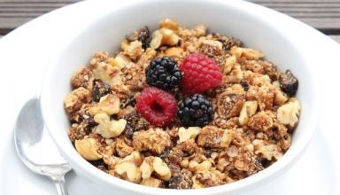 Полезный завтрак: безглютеновая гранола от Гвинет Пэлтроу