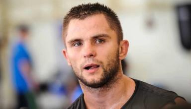 Дмитрий Митрофанов выиграл свой первый бой среди профессионалов