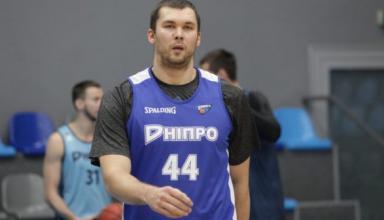 Украинский экс-центровой НБА стал баскетболистом