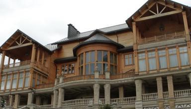 Межигорье четыре года спустя: как изменилась бывшая резиденция Януковича