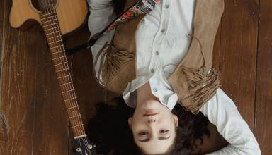 Немецкая поп-рок звезда FEVRALIVA выпустила новый клип «Фонари».