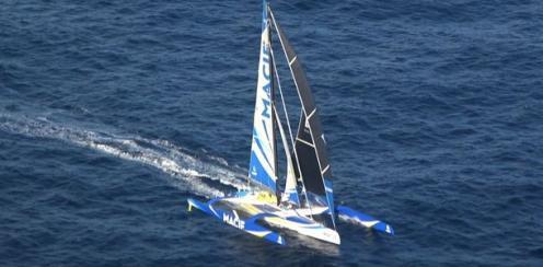 Француз в одиночку совершил кругосветное путешествие на яхте за 42 дня