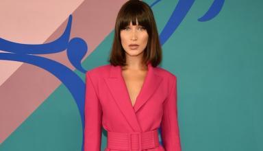 Модель Белла Хадид в пикантном наряде от Dolce & Gabbana отметила день рождения