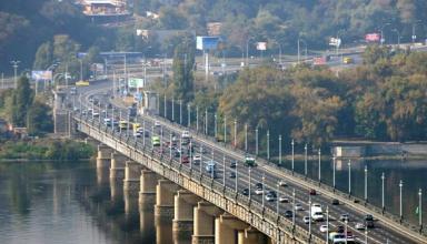 На столичный мост Патона хотят вернуть трамвай