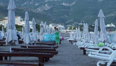 Черногория отменяет ограничения для украинцев в туристический сезон