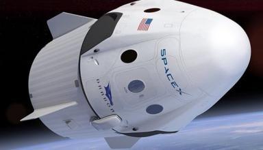 SpaceX перенесла первый полет пилотируемого корабля Crew Dragon
